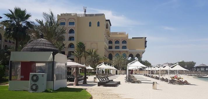 Shangrila hotel Abu dhabi side view