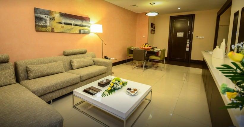 Copthorne Hotel Dubai reception
