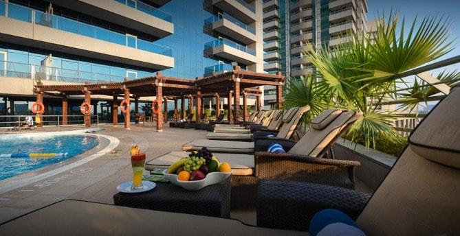Copthorne Hotel Dubai pool view
