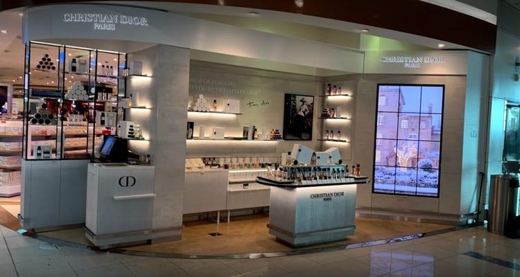 Dubai international airport shops